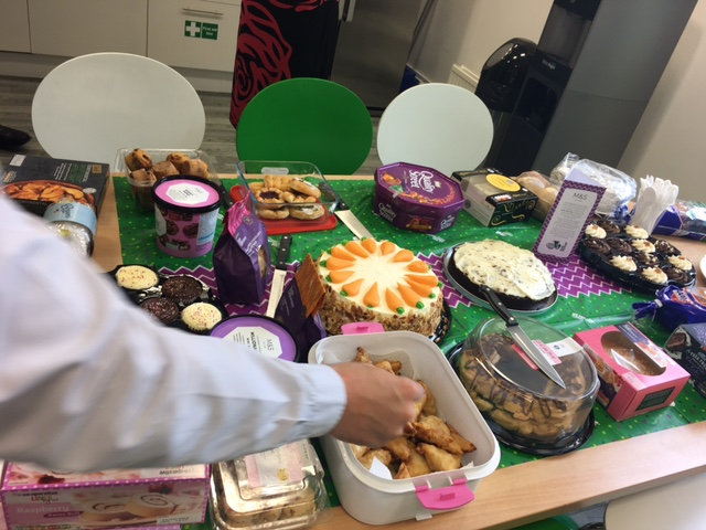 Shepherds Friendly celebrates Macmillan coffee morning